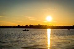 Zmierzch na Minnestoa jeziorze Zdjęcia Stock