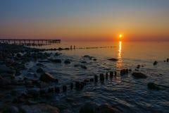 Zmierzch na morza bałtyckiego wybrzeżu Zdjęcie Stock
