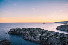 Zmierzch na nakrętki De Creus parku narodowym, Costa Brava, Catalonia obraz stock
