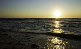 Zmierzch na oceanie obraz stock