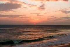Zmierzch na oceanu indyjskiego wybrzeżu Zdjęcia Royalty Free