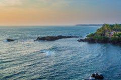 Zmierzch na tropikalnej linii brzegowej Obraz Royalty Free