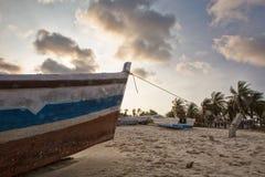 Zmierzch na tropikalnej wyspie mussulo Angola Zdjęcia Royalty Free