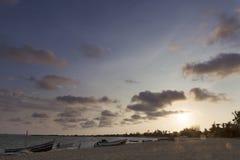 Zmierzch na tropikalnej wyspie mussulo Angola Zdjęcia Stock