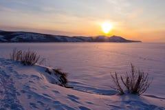 Zmierzch na zimy morzu Zdjęcie Royalty Free