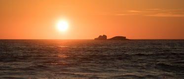 Zmierzch nad Atlantyckim oceanem w Portugalia zdjęcia royalty free