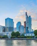 Zmierzch nad Frankfurt magistrala - Am - fotografia stock