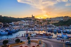 Zmierzch nad Ghajnsielem, Gozo, Malta obrazy stock
