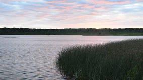 Zmierzch nad jeziorem zbiory wideo