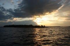 Zmierzch nad jeziorem zdjęcie stock