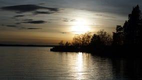 Zmierzch nad jeziorem zdjęcia royalty free