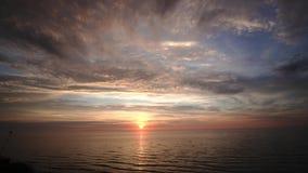 Zmierzch nad morze bałtyckie przylądek Kolka Latvia zdjęcie wideo