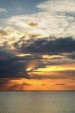 Zmierzch nad morzem przy Montego Bay, Jamajka zdjęcie royalty free