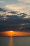 Zmierzch nad morzem przy Montego Bay, Jamajka fotografia stock