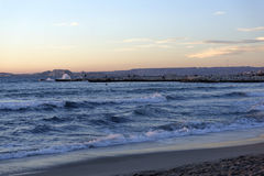 Zmierzch nad morzem śródziemnomorskim. Obraz Stock