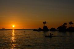 Zmierzch nad morzem w Boracay wyspie, Filipiny Zdjęcia Royalty Free