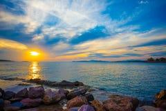 Zmierzch nad morzem w Grecja obraz stock