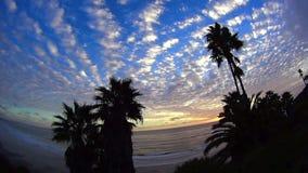 Zmierzch nad oceanów SWAMIS plażą z chmurami 3 zbiory wideo