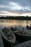 Zmierzch Nad łodziami na jeziorze (Pionowo) Fotografia Stock