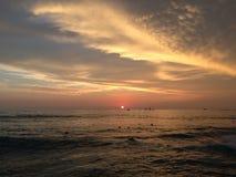 Zmierzch nad Pacyfik widok na ocean od Waikiki ściany w Honolulu na Oahu wyspie, Hawaje Zdjęcie Royalty Free