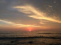 Zmierzch nad Pacyfik widok na ocean od Waikiki ściany w Honolulu na Oahu wyspie, Hawaje Fotografia Stock