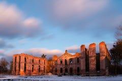 Zmierzch nad ruinami pałac zdjęcie stock