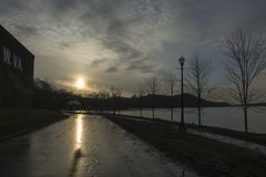 Zmierzch nad rzeką ohio zdjęcie royalty free