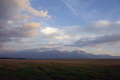Zmierzch nad Tatrzańskim góra widokiem od Zakopane zbiory wideo