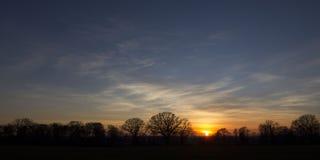 Zmierzch nad Warwickshire wsią Fotografia Stock