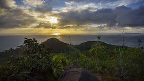 Zmierzch nad wzgórzami na Seychelles Zdjęcie Royalty Free