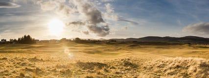 Zmierzch nad wzgórzami w Brora wiosce, Szkocja obraz royalty free