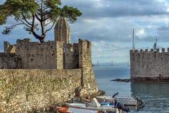 Zmierzch panorama fortyfikacja przy portem Nafpaktos miasteczko, Zachodni Grecja zdjęcie royalty free