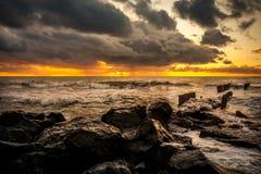 Zmierzch Piękny zmierzchu czerni morze Złocisty denny zmierzch Obrazka morze Fotografia Stock