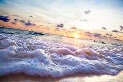 Zmierzch plaża Seashore i światło słoneczne sceniczni Zdjęcie Royalty Free