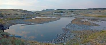 Zmierzch przy łosia Anter zatoczką i Yellowstone rzeką w Hayden dolinie w Yellowstone parku narodowym w Wyoming Zdjęcia Stock