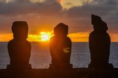 Zmierzch przy Ahu Tahai w Wielkanocnej wyspie, Chile Zdjęcia Stock