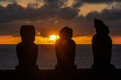 Zmierzch przy Ahu Tahai w Wielkanocnej wyspie, Chile Zdjęcia Royalty Free