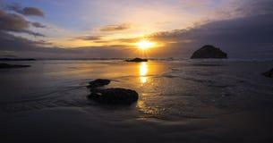 Zmierzch przy Bandon plażą, Oregon fotografia royalty free
