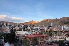 Zmierzch przy losem angeles Paz z Andes górami na tle w Boliwia Fotografia Stock