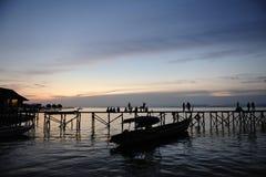 Zmierzch przy Mabul wyspą Malezja Fotografia Stock