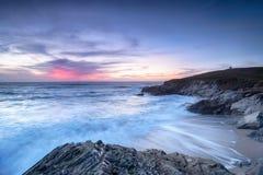 Zmierzch przy Newquay w Cornwall obraz stock