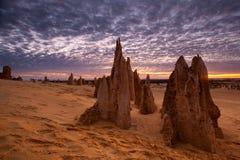 Zmierzch przy pinakiel pustynią, koral, wybrzeże, Australia zdjęcia royalty free