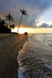 Zmierzch przy plażą w Borneo, Sabah, Malezja Obrazy Royalty Free