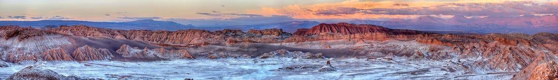 Zmierzch przy pustynią & x28 Valle de Luna, Atacama -; Chile& x29; obrazy royalty free