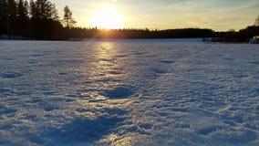 Zmierzch przy wintertime w wsi fotografia stock