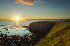 Zmierzch przy zielonym punktem, Gros Morne park narodowy zdjęcia royalty free