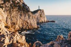 Zmierzch w Lefkada przy przylądka Lefkatas latarnią morską fotografia royalty free