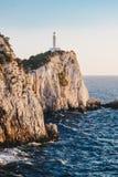 Zmierzch w Lefkada przy przylądka Lefkatas latarnią morską zdjęcie stock