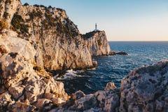 Zmierzch w Lefkada przy przylądka Lefkatas latarnią morską, ostrość na th zdjęcia royalty free