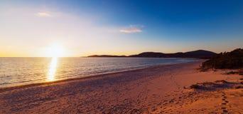 Zmierzch w Maria Pia plaży fotografia stock